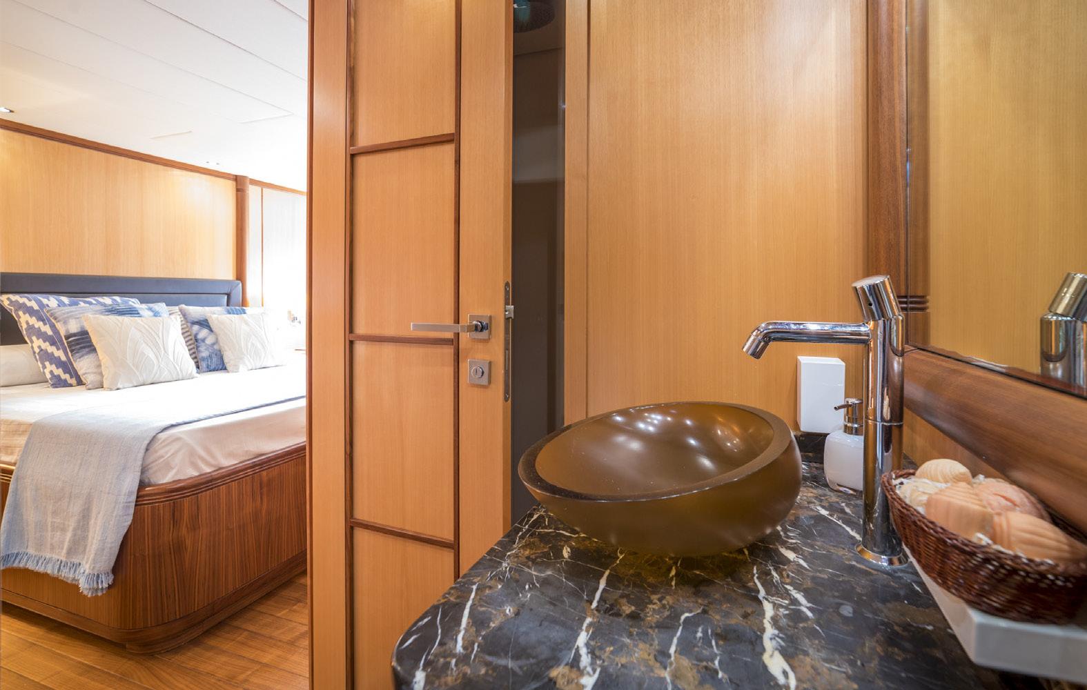 Mangusta-72-Bathroom-Nautic-Blue-Events